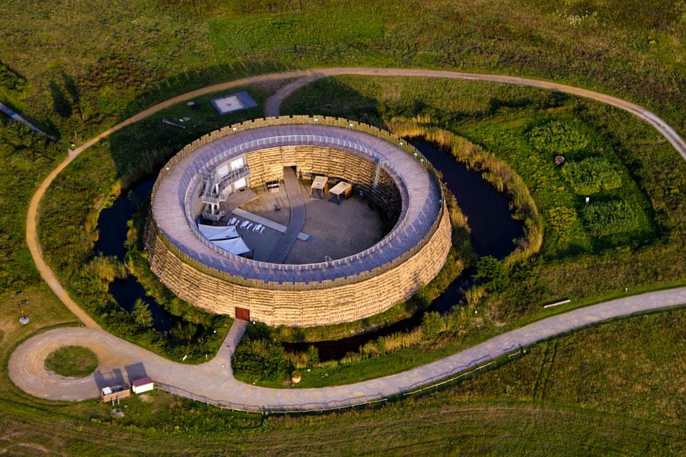 Slawenburg Radusch, Luftaufnahme: Peter Becker