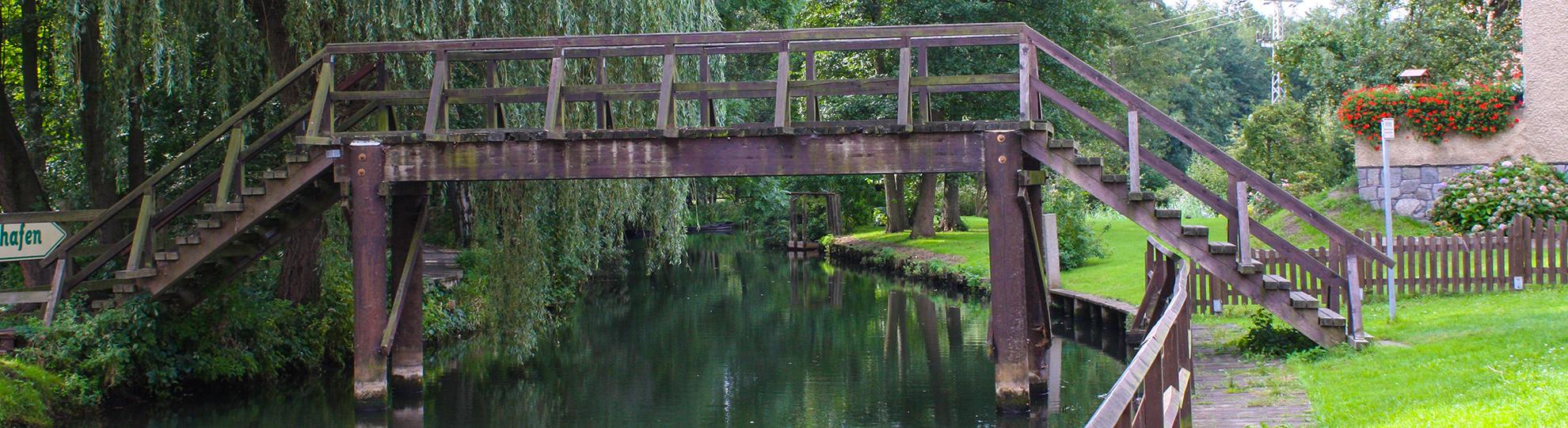 typische Spreewaldbrücke